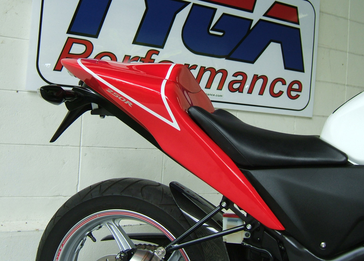 Tyga Tail For 2011 Cbr250r Performance Fender Eliminator New Honda Cbr 250rr Installation Of The Kit Is Really Easy And You Only Need A Few Basic Tools Biggest Job Removing All Stock Ballast