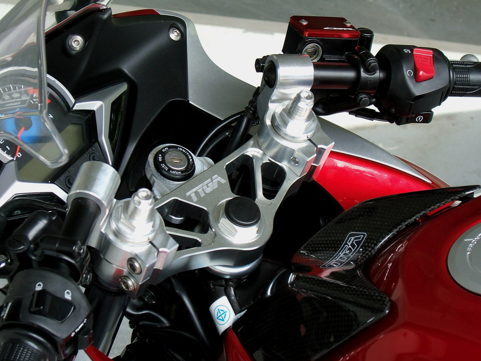 2012 Honda Cbr250ra Wiring Diagram 2011 Tyga Cbr250r Performance Some Keen Eyed Visitors To This Page May Have Noticed That The End Of Fork Caps Are Different Ones In Publicity Shots